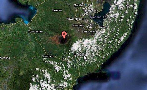 Volcan Sulawesi en Indonesia Estallo  Soputa11