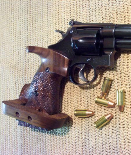 Revolver grips? Sw_45a13