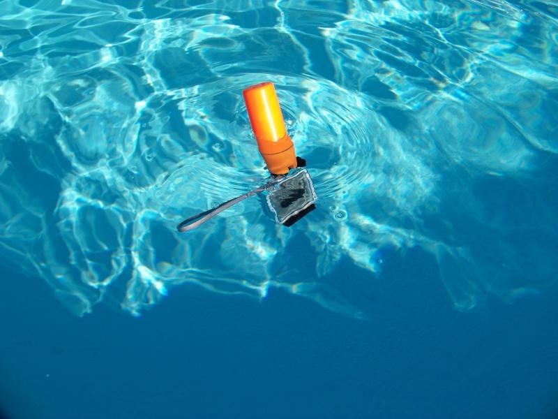 Poignée-flotteur-porte monnaie sports nautiques (pas subaquatiques) pour moins de 3 € 105_4714
