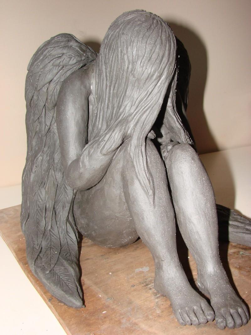 Ma sculpture d'un ange triste Dsc07611