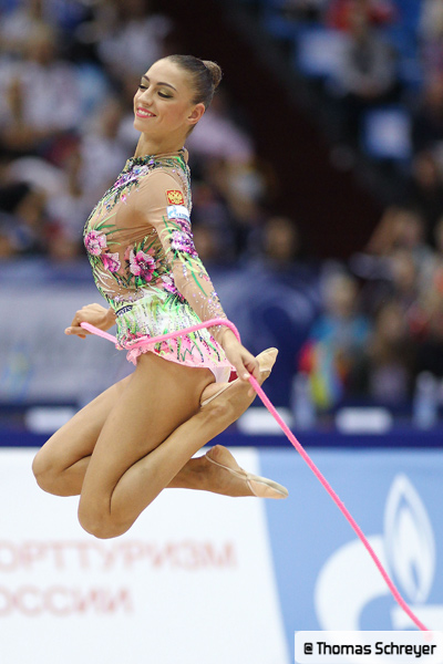 Vos photos favorites de gymnastes ! Vnbcxn10