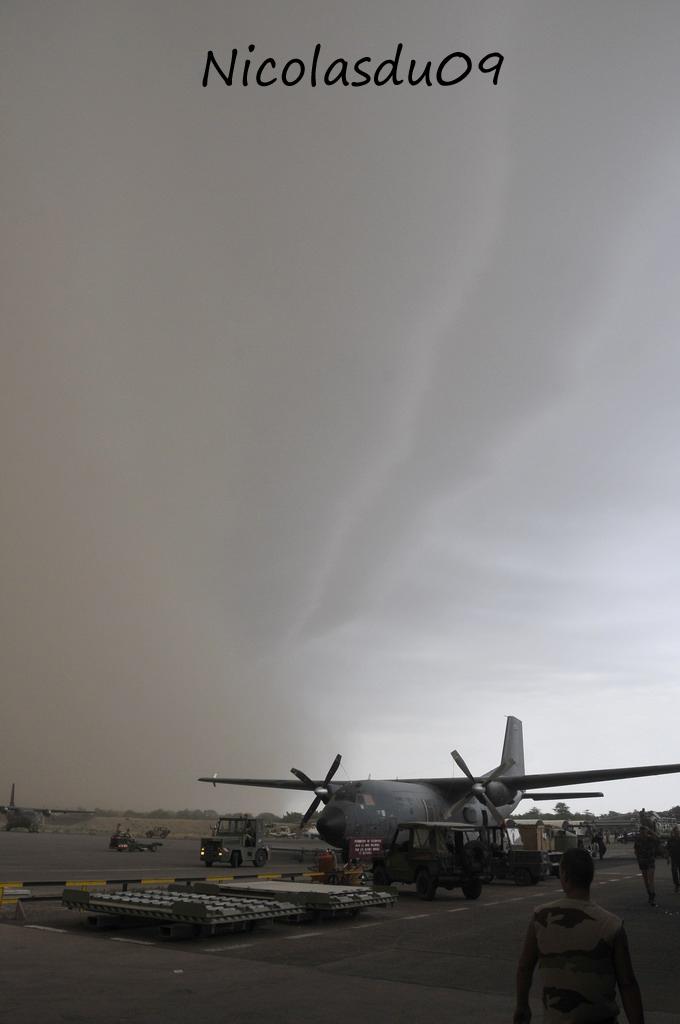 Déluge du désert au Tchad... 2010_111