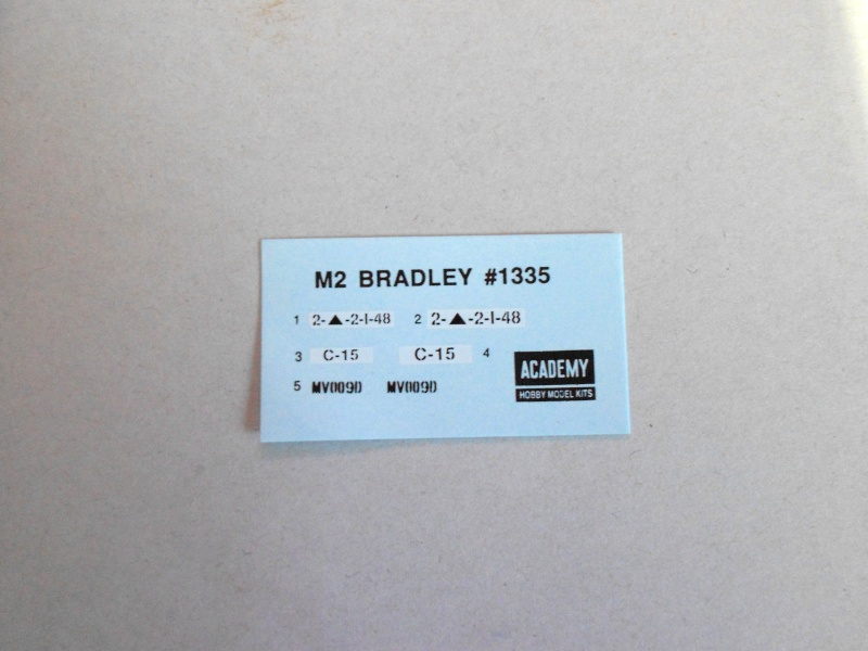 M2 Bradley -Guerre du golf 1991- (Academy, 1/35) Dscn0123