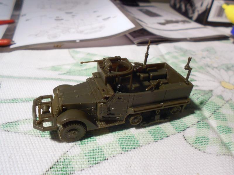 M3A1 Half-Track [Unimax 1/72] par Nicolasdu09 et M16 anti-aérien [Revell 1/76] par Panzer ==> Les faux jumeaux. - Page 2 Dscn0822