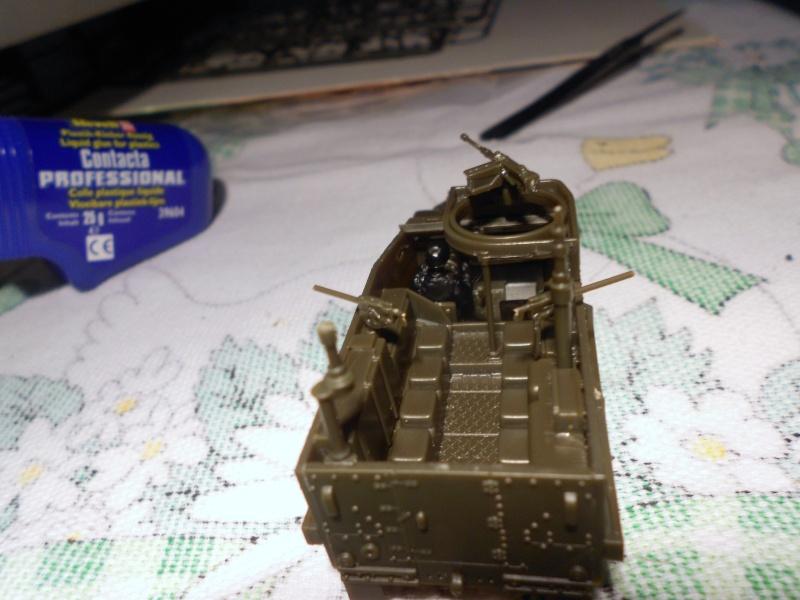 M3A1 Half-Track [Unimax 1/72] par Nicolasdu09 et M16 anti-aérien [Revell 1/76] par Panzer ==> Les faux jumeaux. - Page 2 Dscn0823