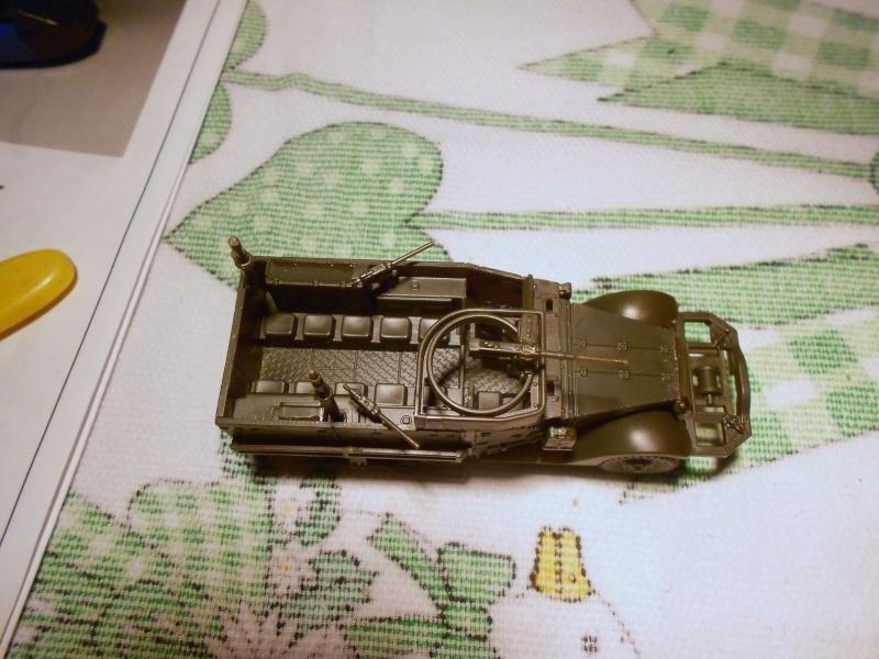 M3A1 Half-Track [Unimax 1/72] par Nicolasdu09 et M16 anti-aérien [Revell 1/76] par Panzer ==> Les faux jumeaux. - Page 2 Dscn0824