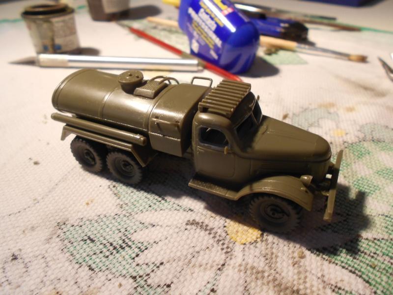 ZIL-157 fuel truck (Trumpeter 1/72) Dscn0944