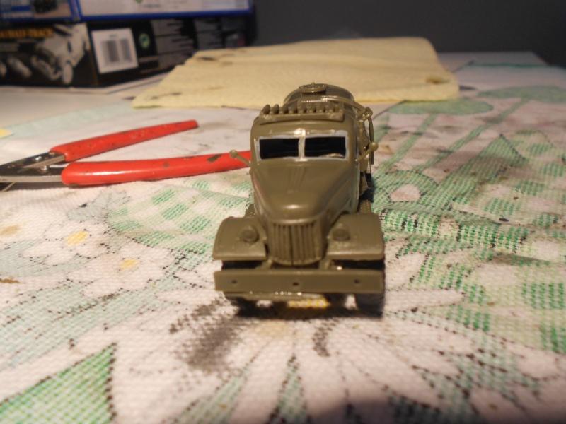 ZIL-157 fuel truck (Trumpeter 1/72) Dscn0947