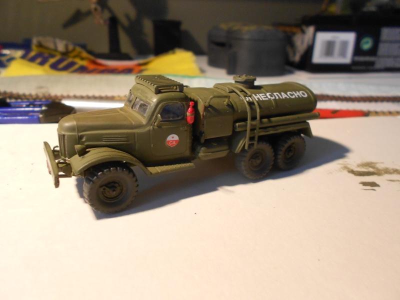 ZIL-157 fuel truck (Trumpeter 1/72) Dscn0949