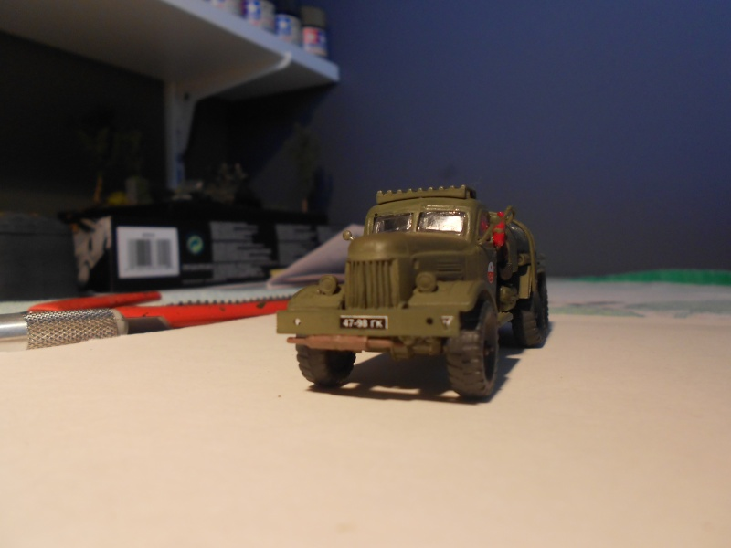 ZIL-157 fuel truck (Trumpeter 1/72) Dscn0951