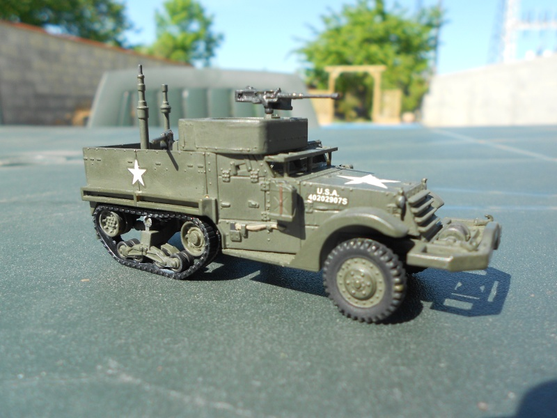 M3A1 Half-Track [Unimax 1/72] par Nicolasdu09 et M16 anti-aérien [Revell 1/76] par Panzer ==> Les faux jumeaux. - Page 3 Dscn1118