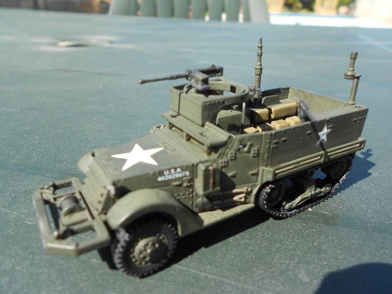 M3A1 Half-Track [Unimax 1/72] par Nicolasdu09 et M16 anti-aérien [Revell 1/76] par Panzer ==> Les faux jumeaux. - Page 3 Dscn1121