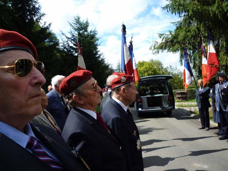 HOURDIN Roger Parachutiste SAS, l'un des derniers est mort dans sa 89e année P1100812