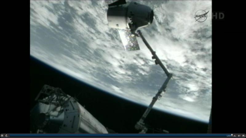 SpaceX / COTS-2: Lancement et suivi de la mission. - Page 19 Dragon10