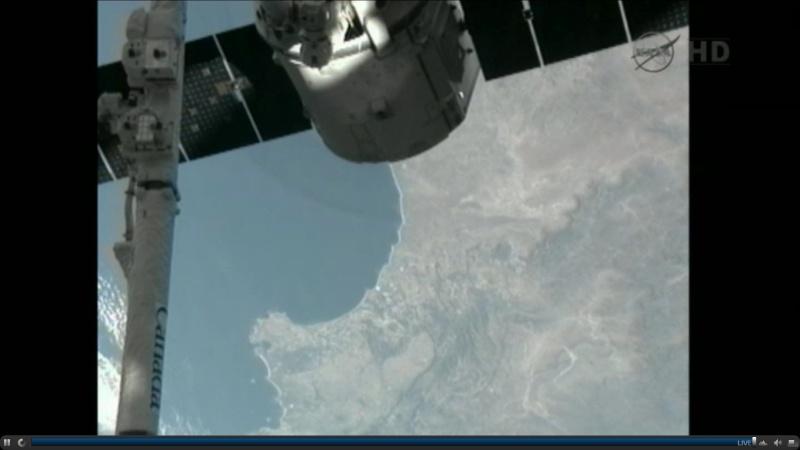 SpaceX / COTS-2: Lancement et suivi de la mission. - Page 19 Dragon11