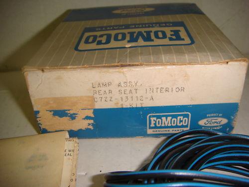 (9) Option, lumières pour siège arrière, Mustang hardtop et décapotable 1967 1967_r13