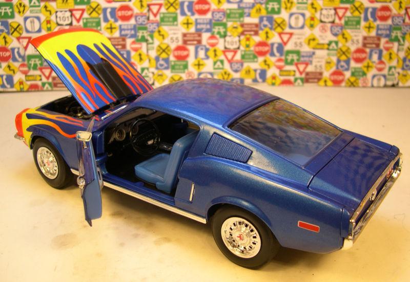 Mustangs 1968 à l'échelle 1:18  Double12