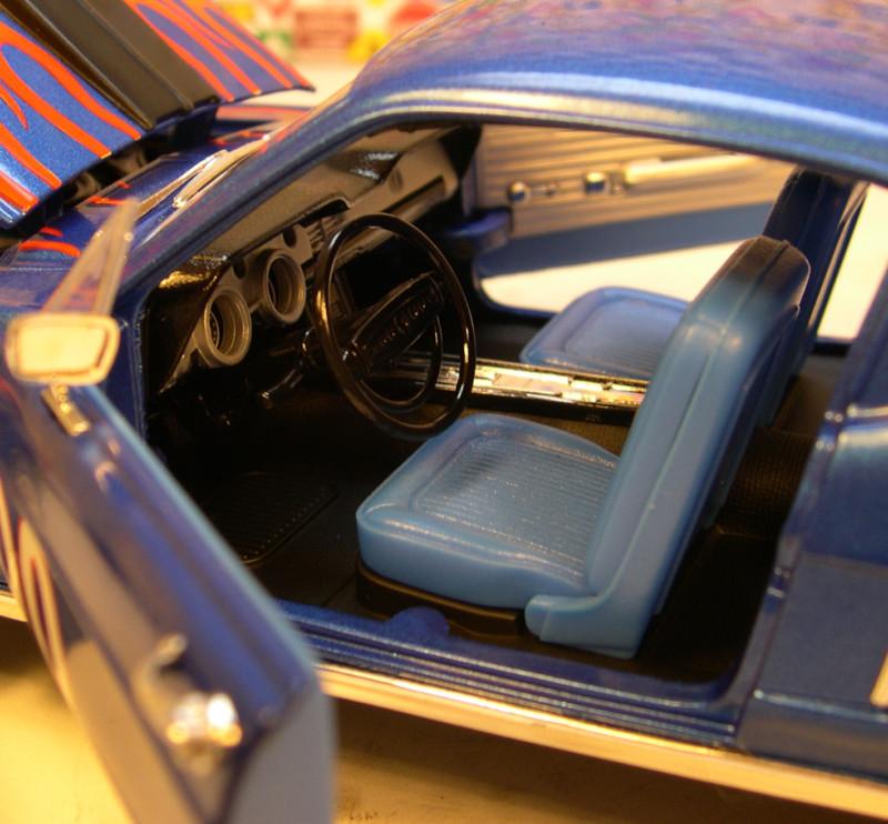 Mustangs 1968 à l'échelle 1:18  Double13