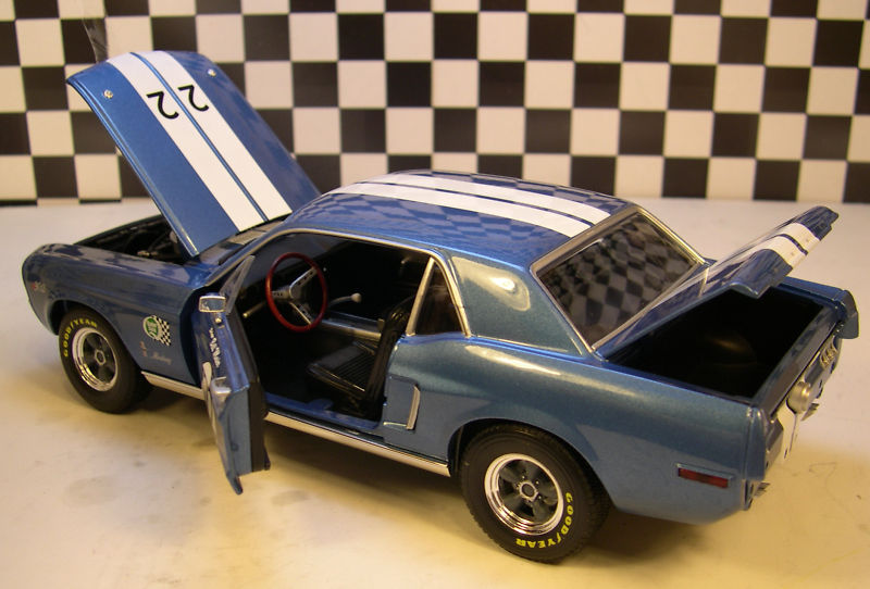 Mustangs 1968 à l'échelle 1:18  Greenl12