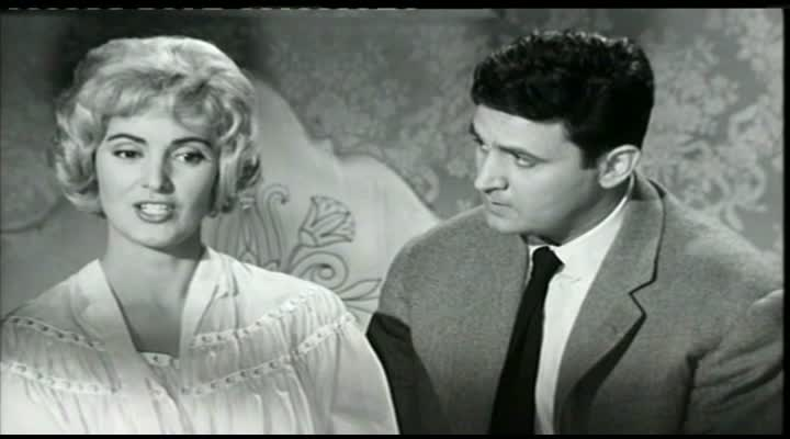 La Valse du Gorille - 1959 - Bernard Borderie  Vlcsn246