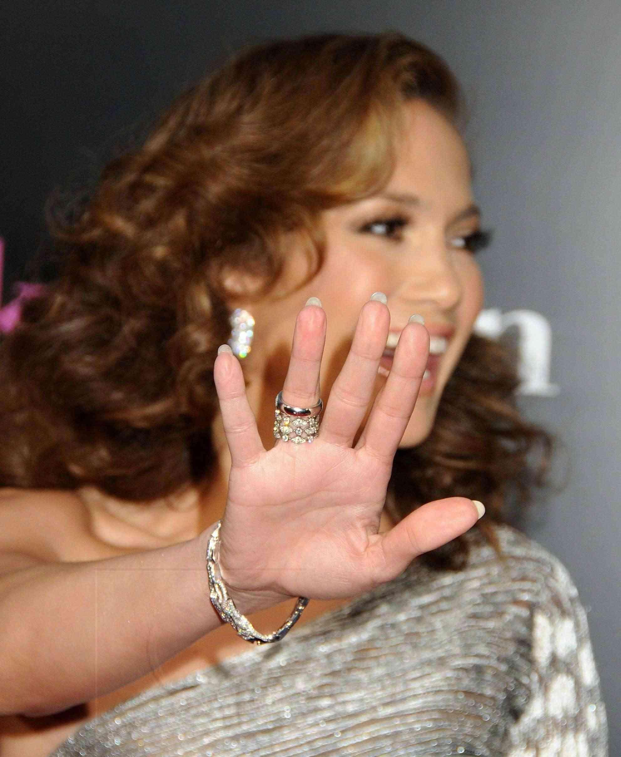 Jennifer Lopez 110