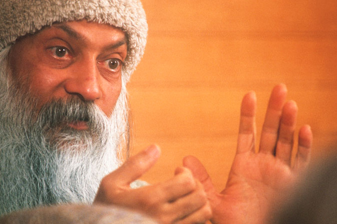 OSHO - Into the hands of Bhagwan Shree Rajneesh! Osho9110
