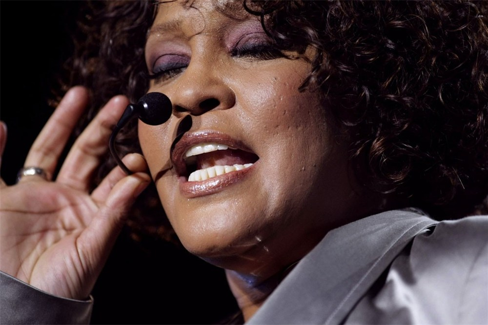 Whitney Houston 1963 – 2012 (HAND ANALYSIS) Whitne12