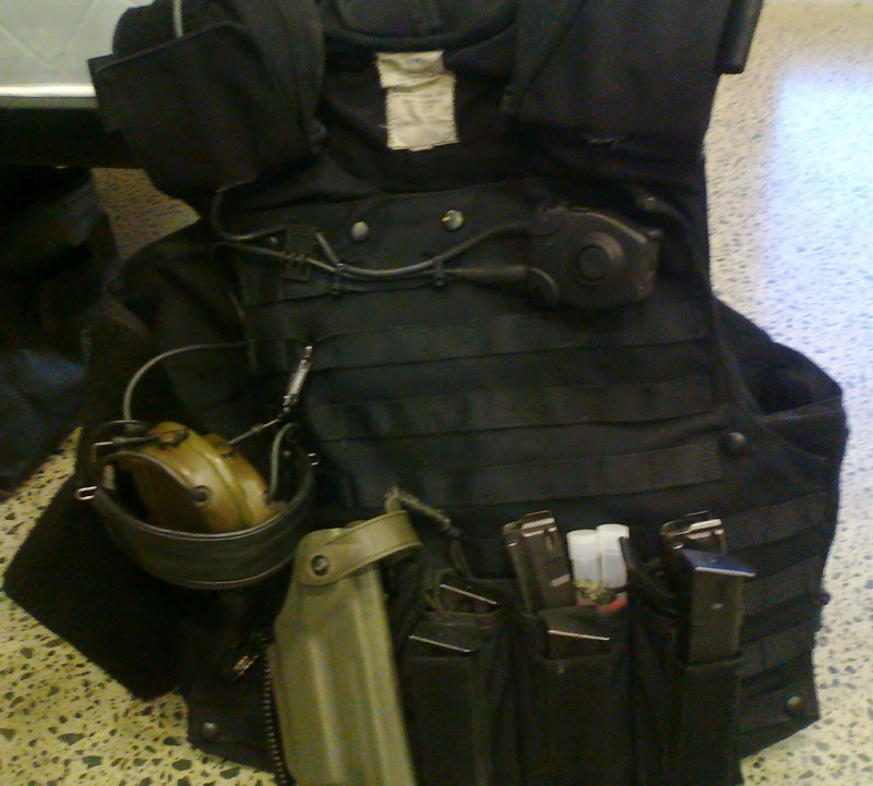 More SAS gear Photo040