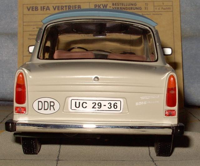 Trabant 601 in 1:18 von Sun Star Trab410