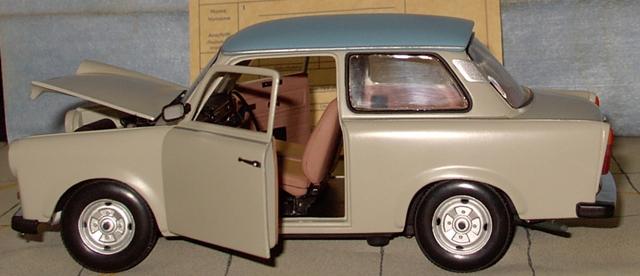 Trabant 601 in 1:18 von Sun Star Trab610