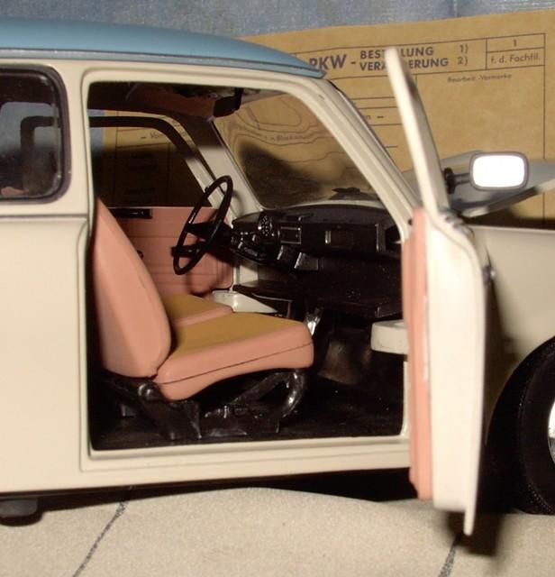 Trabant 601 in 1:18 von Sun Star Trab710