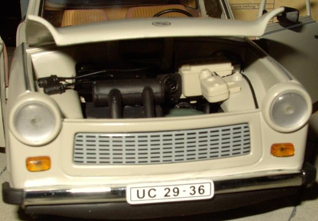 Trabant 601 in 1:18 von Sun Star Trab810