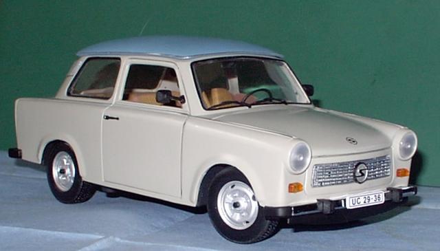 Trabant 601 in 1:18 von Sun Star Trabi110