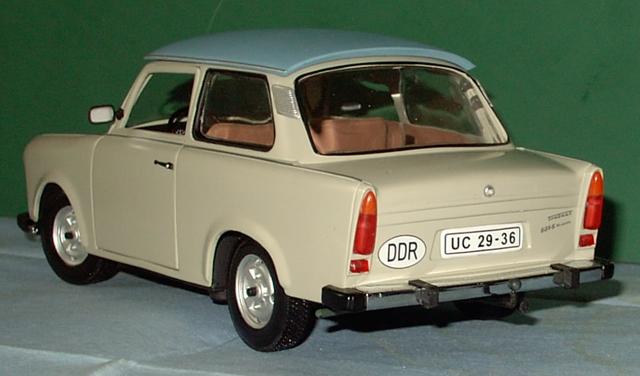 Trabant 601 in 1:18 von Sun Star Trabi910