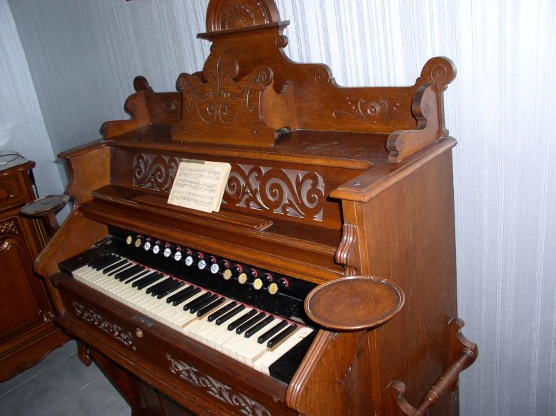 Vends Harmonium à restaurer Harmon12