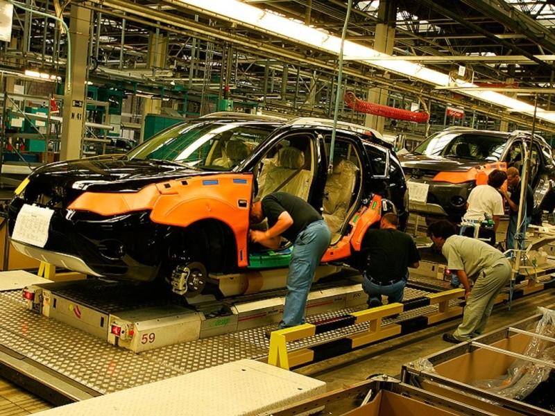 La Mitsubishi vende la propria azienda a solo 1 euro. Basta che non licenziano i lavoratori. Mitsub10