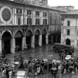 In memoria delle 8 vittime della strage di Piazza Loggia 1974 Strage11