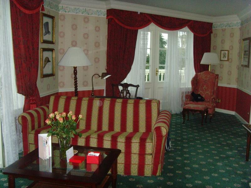 1er Séjour au DLH en Castle Club (30 et 31 octobre 2011) - Page 2 Snv33229