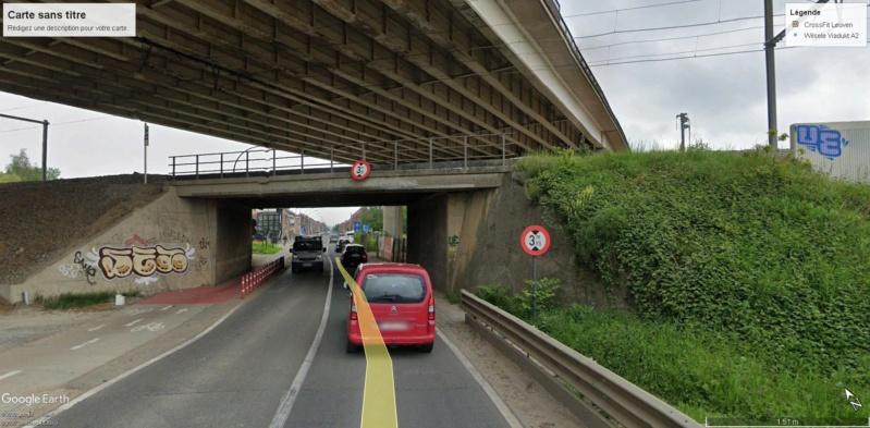 Street View : Un pont , au dessus d'un pont , au dessus d'une rivière  Louvai11