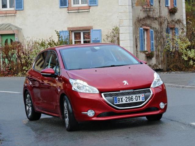 2012 - [Peugeot] 208 - berline [A90/1] Peugeo10