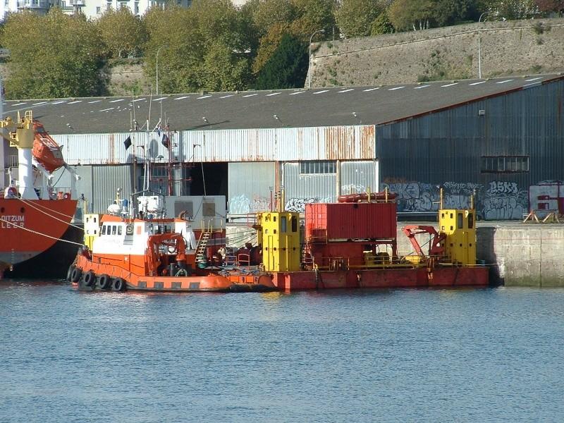 Barge (ponton) 1/50 scratch - Page 2 Dscf0016