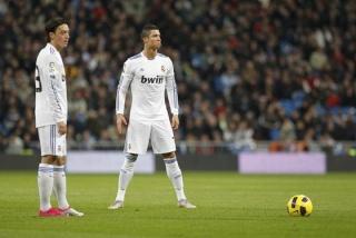 فيجو : هم لا يعرفون كرة القدم لانهم ينتقدون الدون ( CR7 ) Cristi12