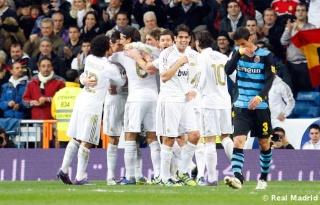 قناة برشلونة تسخر من اسبانيول وتصف الريال بأنه في حصة تدريبية Real_m11