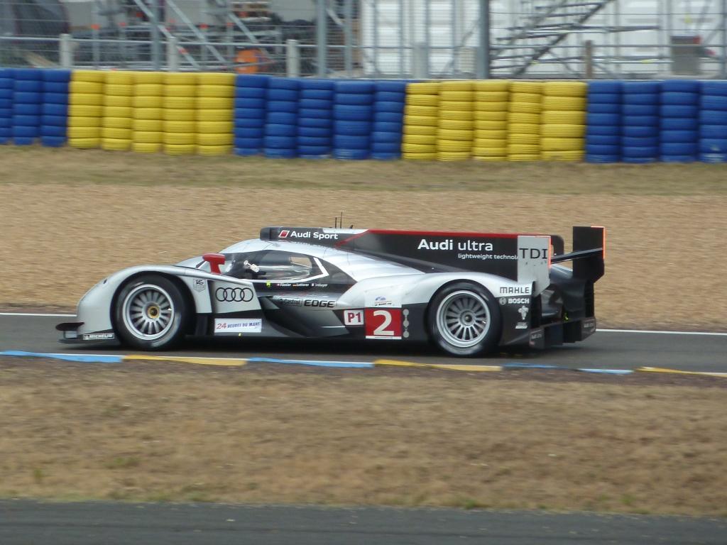 Dans l'ambiance des 24 Heures du Mans 2011 - Page 9 P1010810