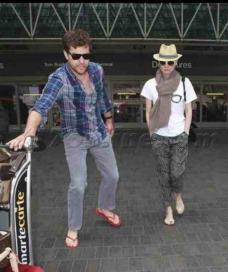 Joshua Jackson y Diane Kruger de vuelta en USA (Junio 2012) 1011
