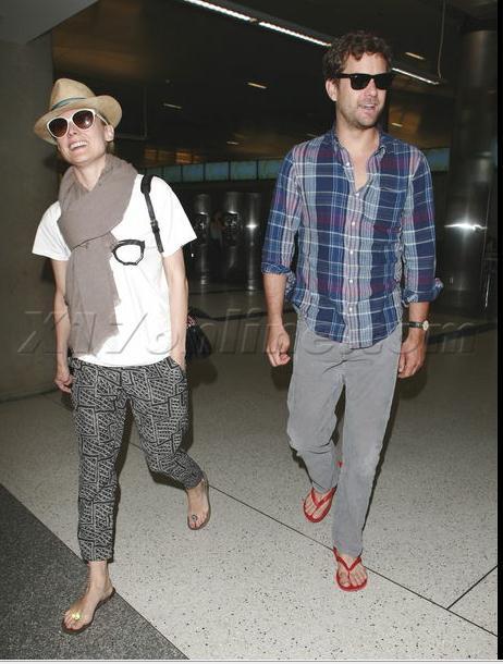 Joshua Jackson y Diane Kruger de vuelta en USA (Junio 2012) 1710