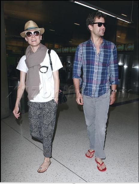 Joshua Jackson y Diane Kruger de vuelta en USA (Junio 2012) 1810