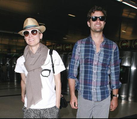 Joshua Jackson y Diane Kruger de vuelta en USA (Junio 2012) 1910