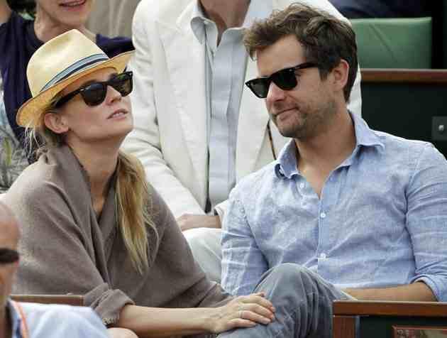 Joshua Jackson (y Diane Kruger) en el torneo de tenis Roland Garros 2012-012