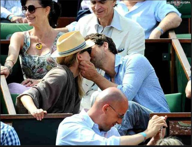 Joshua Jackson (y Diane Kruger) en el torneo de tenis Roland Garros 213